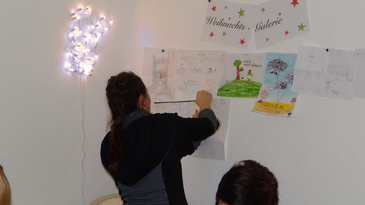 Weihnachtsgalerie,  Künstlerraten