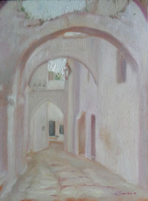 L'arco in fondo, Ostuni, oil on wood, 20 x 27 cm, 2016