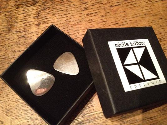 `Zilveren manchetknopen gemaakt voor gitarist
