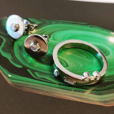 Set in witgoud, met hergebruik van diamanten gezet in platinum