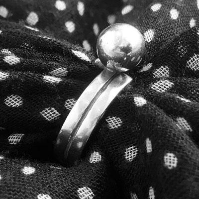 Zilver met gezwarte groef