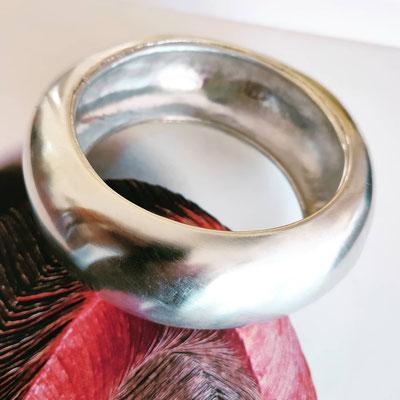 Zware armband van hergebruikt zilver