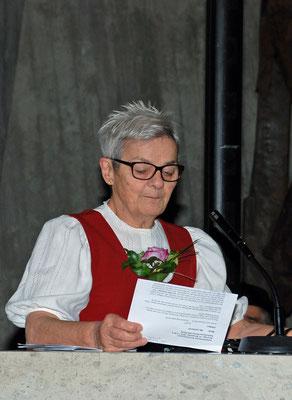 Irma Dütsch, Ansage
