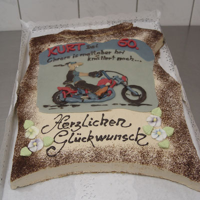 |9|: Torte zum Geburtstag