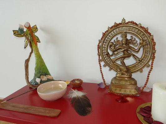 estúdio de corpo e alma, altar, espiritualidade, ritual, oração, fé, sagrado feminino, sagrado masculino, divino, Shiva, deusa, fada