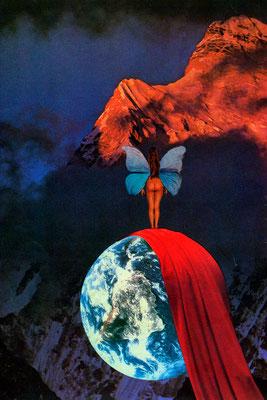 Die Enthüllung des Planeten vor dem roten Berg