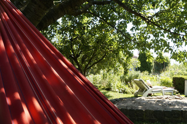 Hängematte, Entspannen im Kleingarten