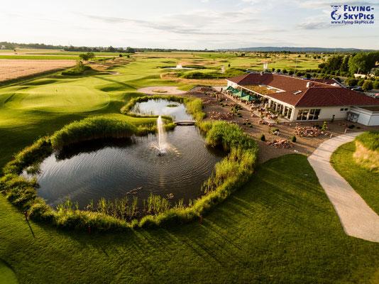 Abendstimmung Clubhaus Golfplatz