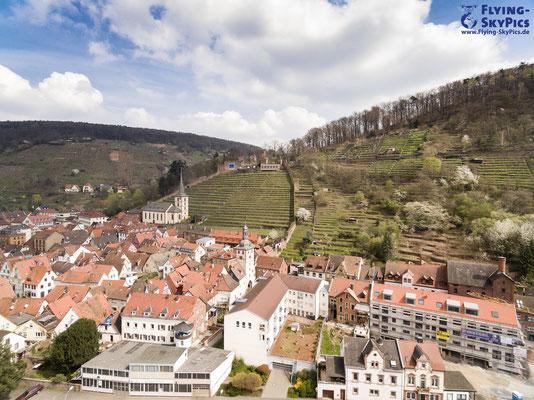 Klingenberg mit Sicht auf die Klingenburg