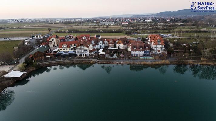 Luftaufnahme mit Drohne des Seehotels