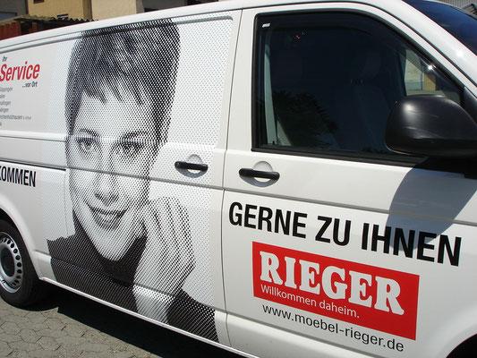 Fahrzeugbeschriftung Rieger Möbel