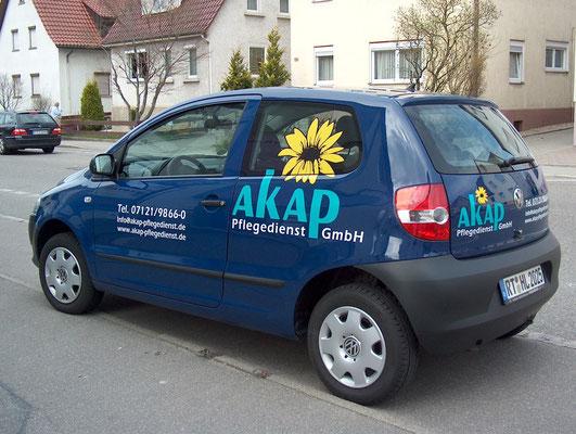 Fahrzeugbeschriftung mit Klebefolie