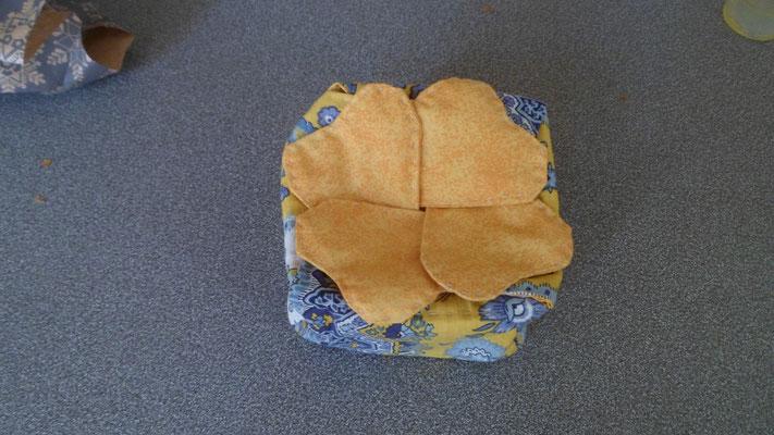 Jolie petite boîte à bidules en tissu