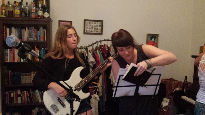 Carlchen unsere Bassistin ist neu dabei