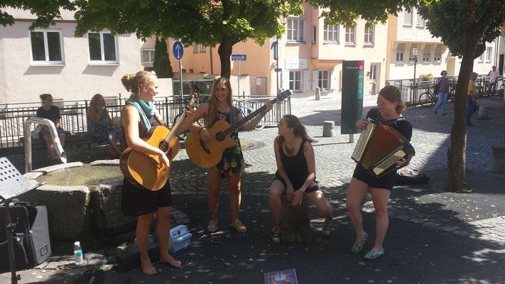 Straßenmusik am Holbeinplatz