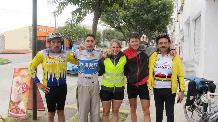With local cyclists in Polotitlán.