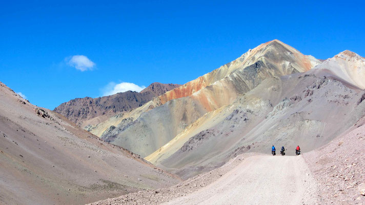 The colorful mountains on the chilean side.