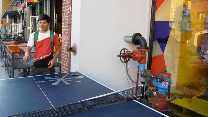 Ping, Pong...