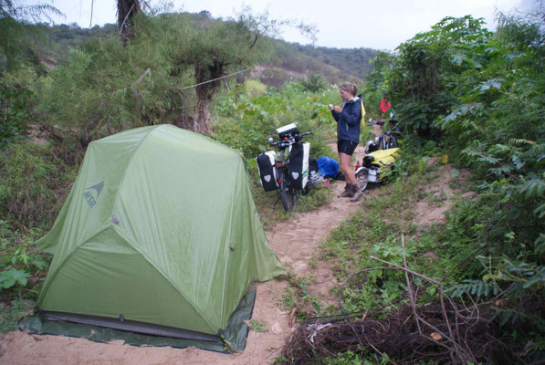 Camping at the river 60 km before Tuxla.
