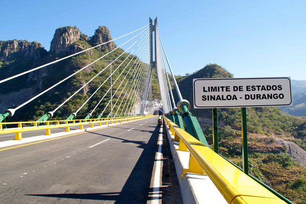 On the bridge, we left the state of Sinaloa for Durango. New timezone.