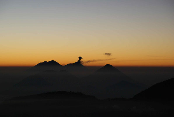 Volcán de Fuego: eruption while the sunset