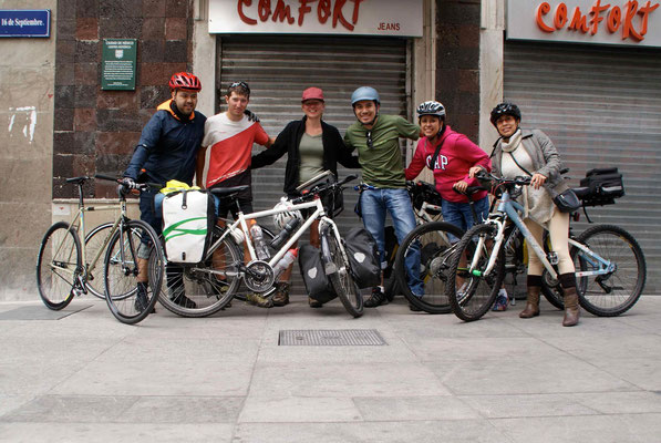 Some cyclists we met in town. Thank you for your advices.