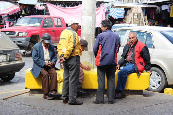 Playing cards in the streets of Cuenca.