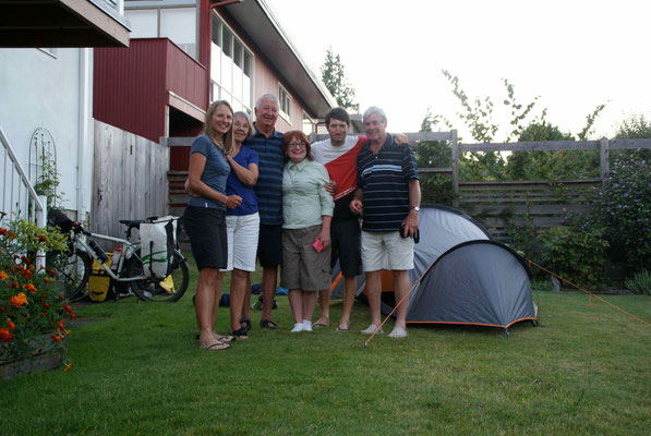 At Betty and Rods place in Nanaimo. Thank you! We enjoyed staying with you.