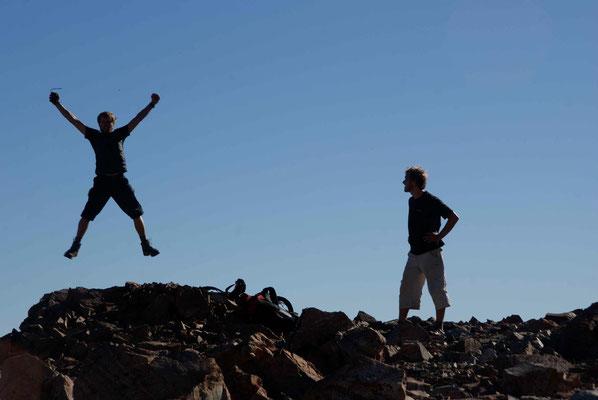 Yeah. Auf dem Gipfel... / Carwyns jump on the top.