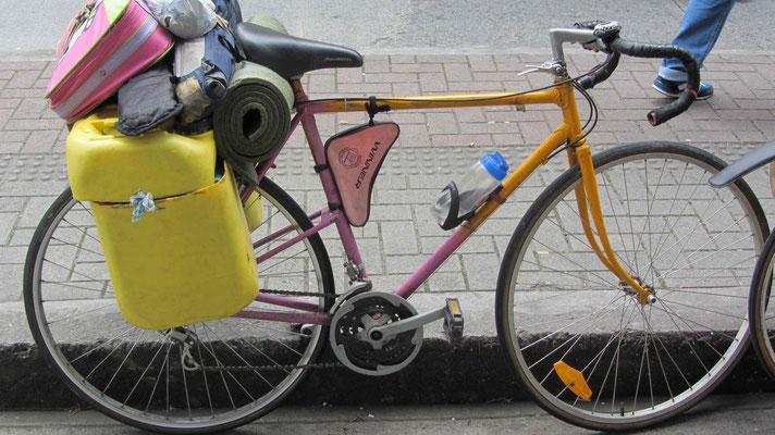 That's what an artists bike look like. I like.