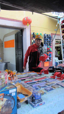 In Lagos de Moreno Sam bought a new cap.