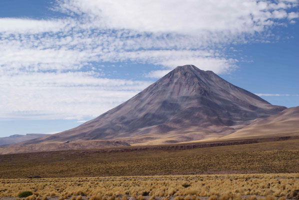 Volcan Licancabur from the other side (San Pedro de Atacama)