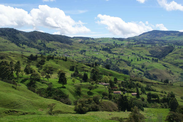 The Landscape, going down to Medellín.