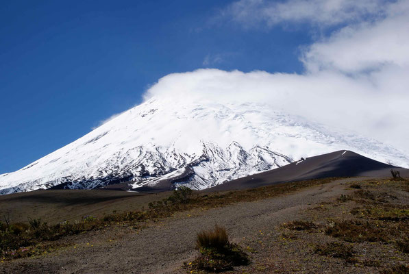 In the afternoon we hat a great view of Cotopaxi. Will we be on the top the next morning?