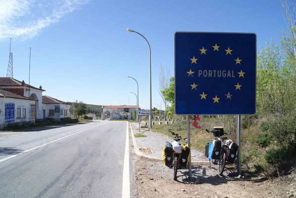 Here we are. Portugal. Nice to discover a new country.