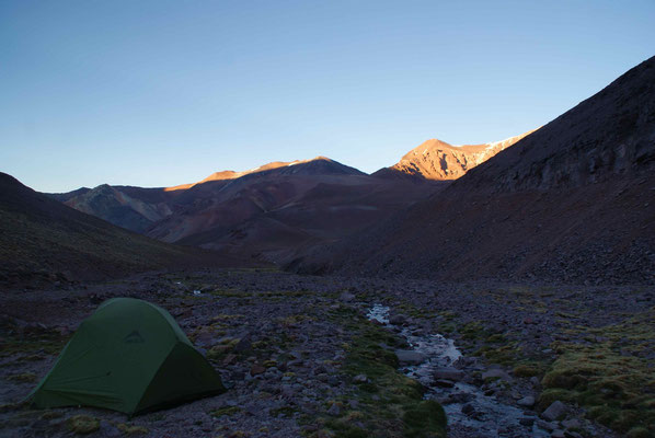 Sunrise the day after. Great campsite @4000m.