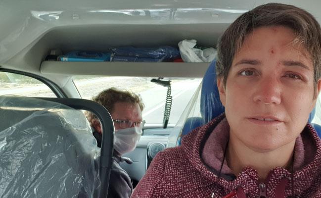 ...während wir mit dem Auto zum Arzt chauffiert werden. Angina!