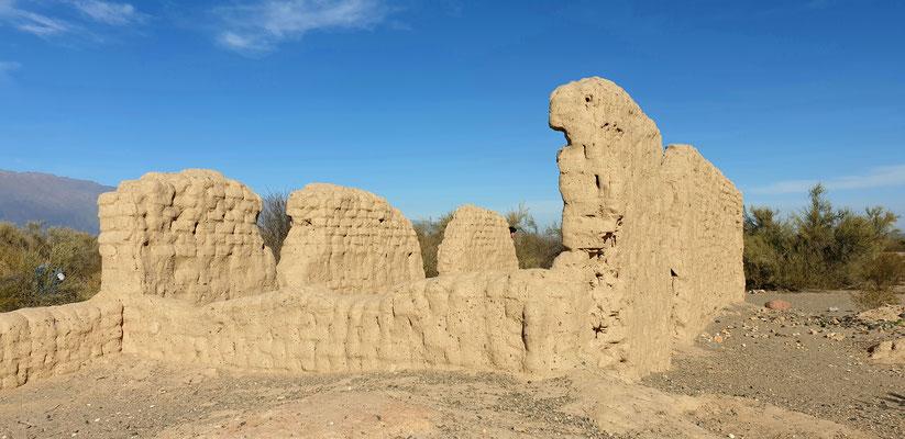 Chilecito befindet sich am Inka Pfad: alte Ruinen ausserhalb der Stadt