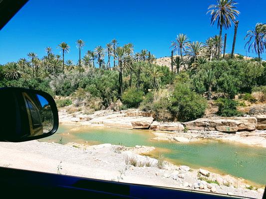 Wunderschöne Kulisse bei der Fahrt durch das Vallé Paradis