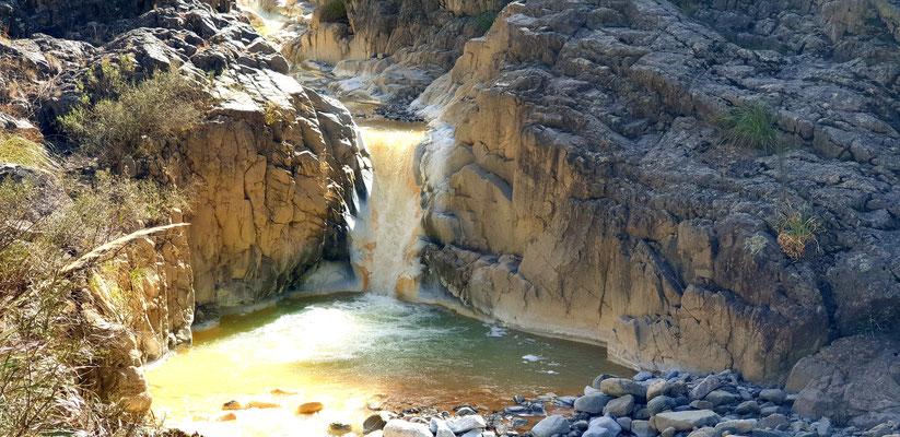 ...den Wasserfall. Wunderschön, diese Farben des Rio Amarillo