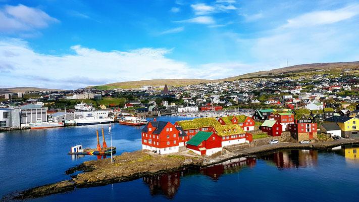 Ausblick vom Schiff 'Norröna' bei unserer Ankunft in Torshavn
