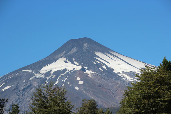 Vulkan ist 2 Tage vor unserem Besuch ausgebrochen. Sieht aber schon wieder ganz friedlich aus. Nationalpark für 1 Jahr gesperrt :-(