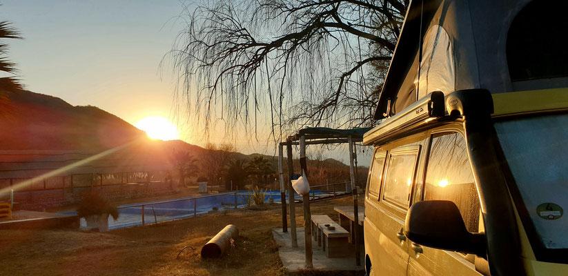 Herrlicher Sonnenuntergang an unserem Platz
