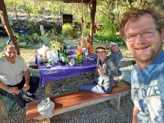 Ein schöner Nachmittag mit Daniel, Graciela und Hausmeister Franco