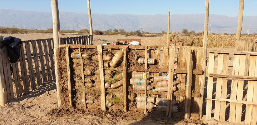 Ein Haus wird gebaut: Biokonstruktion nach Argentinischer Art