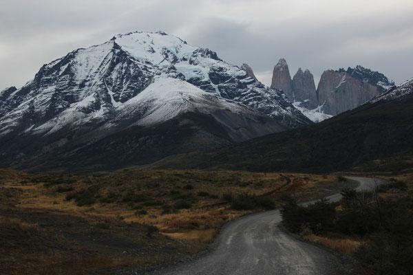 Einfahrt zum Torres del Paine.
