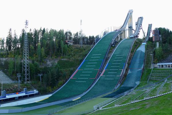 Lysgårdsbakken: die Sprungschanzen von Lillehammer. Sehr eindrücklich