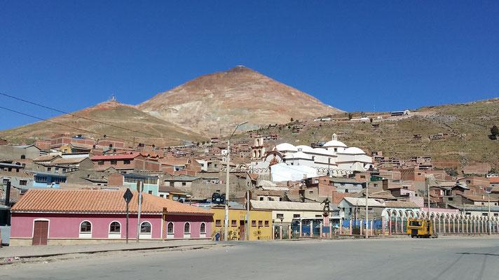 Potosi die Stadt mit den Silberminen. Angeblich die höchstgelegenste Stadt der Welt auf 4'000 m.ü.m.