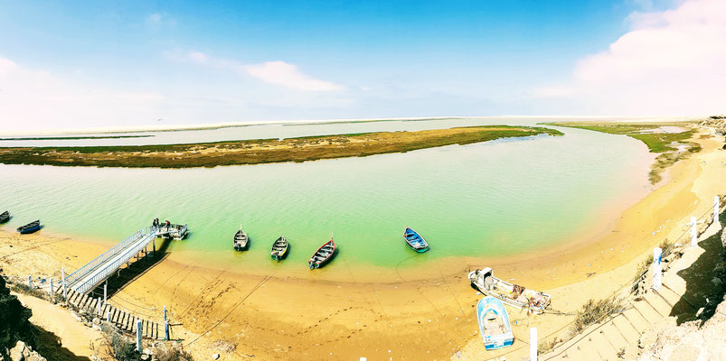 So wurden wir in der Westsahara empfangen. Die Lagune im Khenifiss National Park.