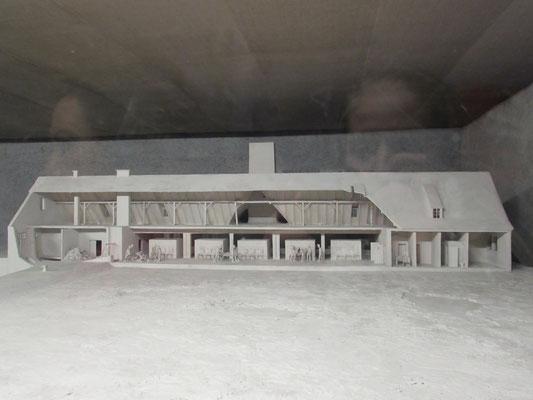 Model der Gaskammern mit angeschlossenem Krematorium, wie sie in Birkenau standen
